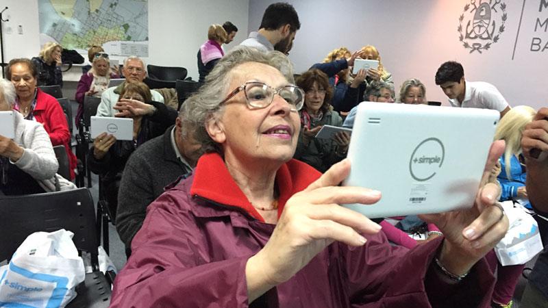 En 18 provincias del país, personas de todas las edades se capacitaron a través de las charlas y cursos del Plan Nacional de Inclusión Digital.