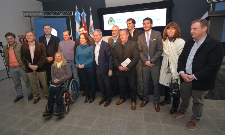 Intendentes de los municipios de Entre Ríos con el ministro de Modernización Andrés Ibarra.