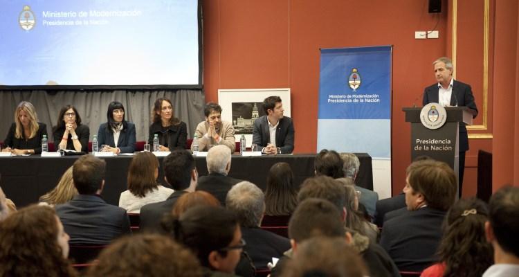 El ministro Andrés Ibarra presenta los 15 compromisos del II Plan de Acción Nacional de Gobierno Abierto de la República Argentina 2015-2017.